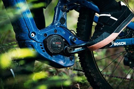 dettaglio su bici motore bosch performance cx